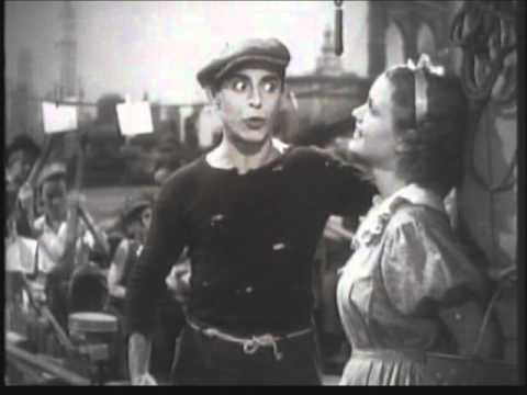 EDDIE CANTOR sings 'When my ship comes in'.
