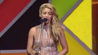 Shakira & Maluma - Premios 40 Music Awards 2016 (Full Video)