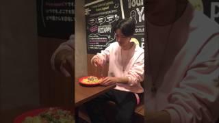 メンズノンノモデル山本涼介が話題の店「ピザッピー」のカスタムピザ&...