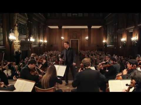 W. A. Mozart: Sinfonie No. 29, KV 201 Folkwang Kammerorchester / Johannes Klumpp - conductor