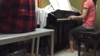 ピアノ教室の先生と生徒です。 アラフィフコンビ、頑張っています。 デ...