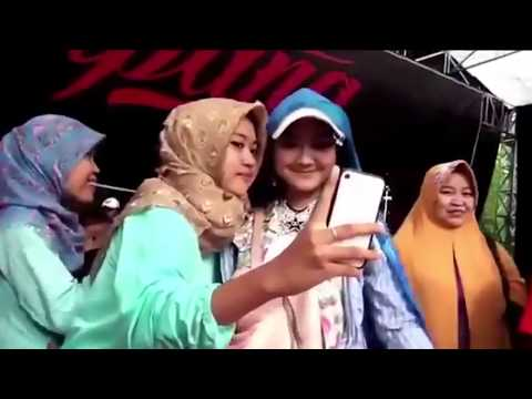 SEKETIP MATA - DEVI ALDIVA - NEW PALLAPA LIVE IPANG COMMUNITY 2017