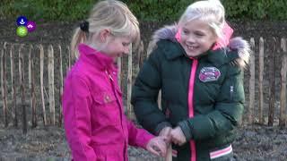 Wethouder Mary van Gent plant eerste boom Tiny Forest Nieuwe Niedorp