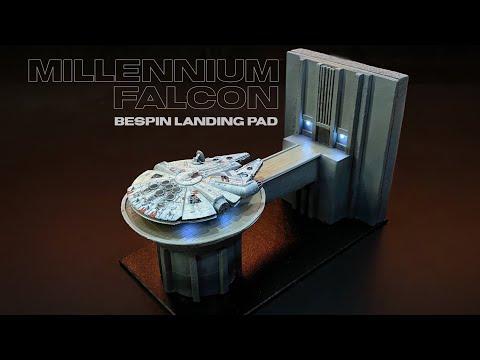 Millennium Falcon + Landing Platform Diorama