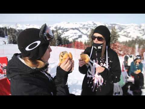 Snowpark Gstaad: Girls Snowboard Shred Session - 25.01.2014