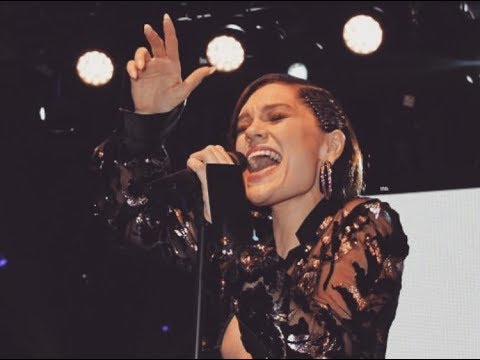 """Jessie J singing """"Domino"""" in Cannes at De GRISOGONO """"Love on the Rocks"""" 