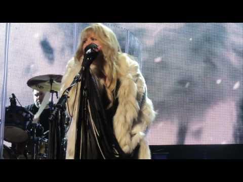 Stevie Nicks - Moonlight - Nassau Coliseum 4-6-2017