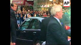 UK: LONDON: FORMER BEATLES UNITED FOR MEMORIAL TO LINDA MCCARTNEY