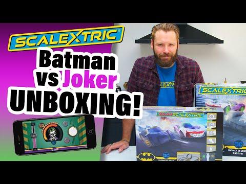 Scalextric – Unboxing Batman vs Joker Spark Plug Set