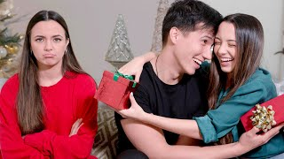 What It's Like To Be A Twin On Christmas - Merrell Twins
