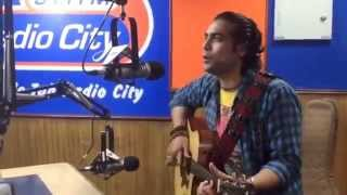 Gambar cover Jubin Nautiyal | Zindagi Kuch Toh Bata | Live In Acoustics @RadioCIty 91.1 FM. | Bajrangi Bhaijaan .