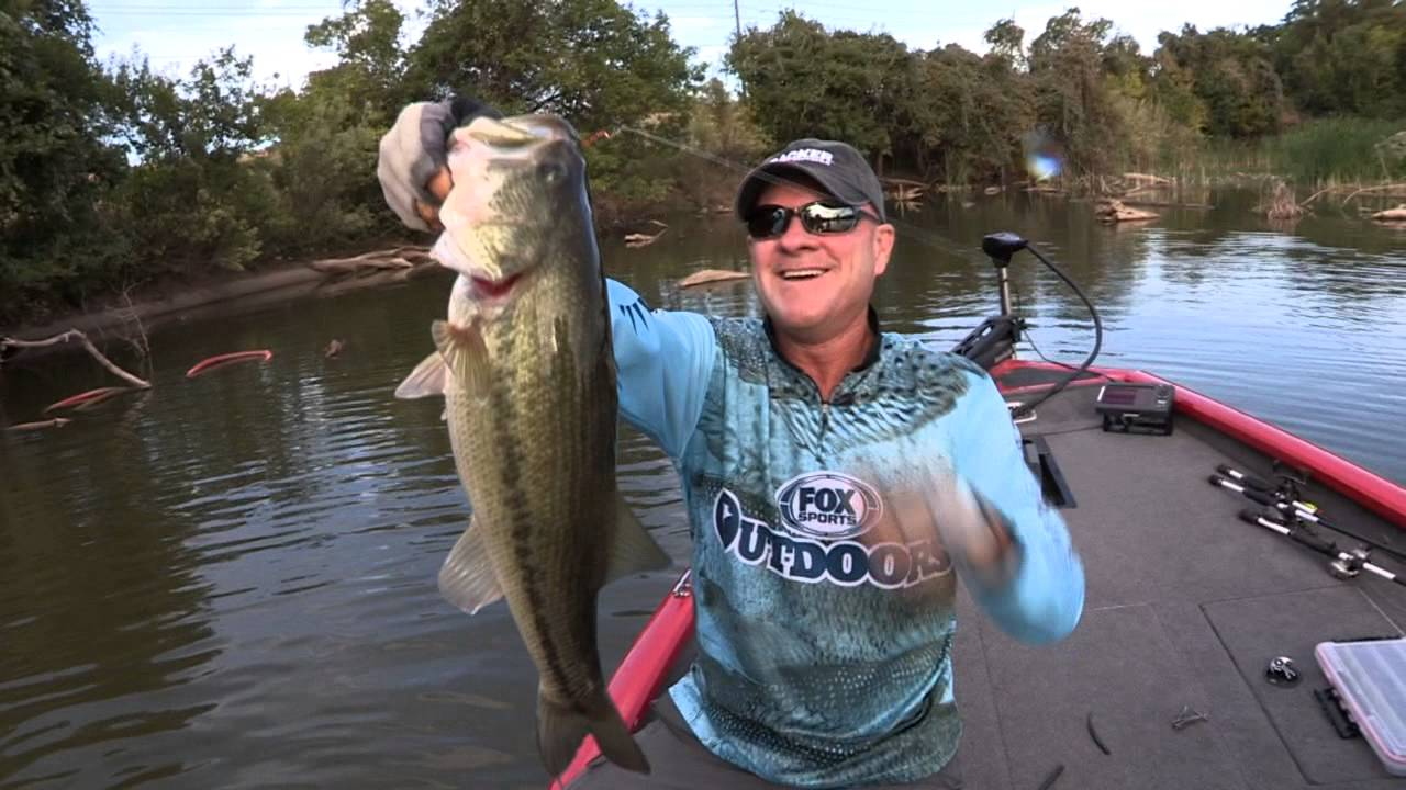 Fox sports outdoors preview 33 2015 brazos river waco for Bass fishing texas
