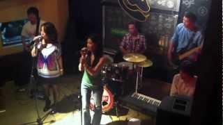 Baixar Gnarls Barkley - Crazy & Beyonce - Irreplaceable (Cover by Duet N & X-Vit)