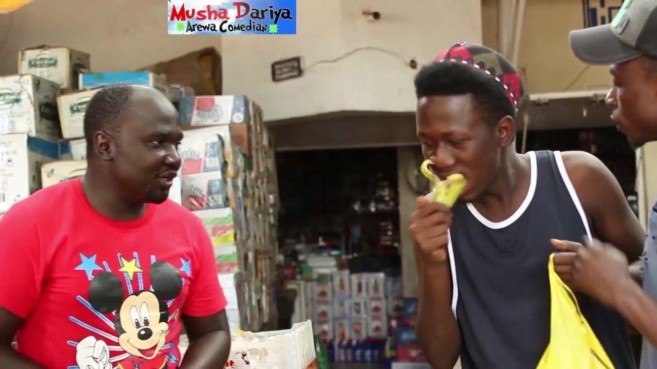 Download (Sabon Comedy) Kalli Madagwal Yaje Siyan Apple (Musha Dariya Arewa Comedian)
