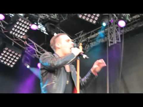 oskar-linnros-din-mamma-live-malmofestivalen-www-bandpass-se-bandpasstv