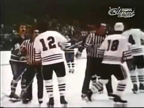 NHL Action: Vancouver Canucks @ Chicago Blackhawks (Mar. 16, 1975)