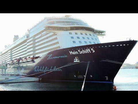 Mein Schiff 5 leaving Malaga port