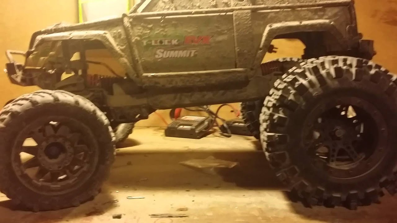 RC4WD 40 Series Mud Slingers on Traxxas SUMMiT