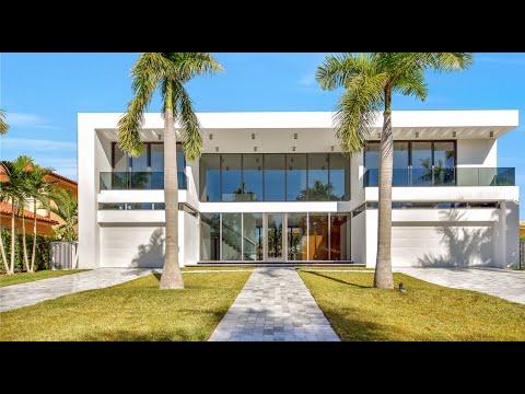 LUXURY ESTATE - 3181 NE 165th St North Miami Beach, FL 33160