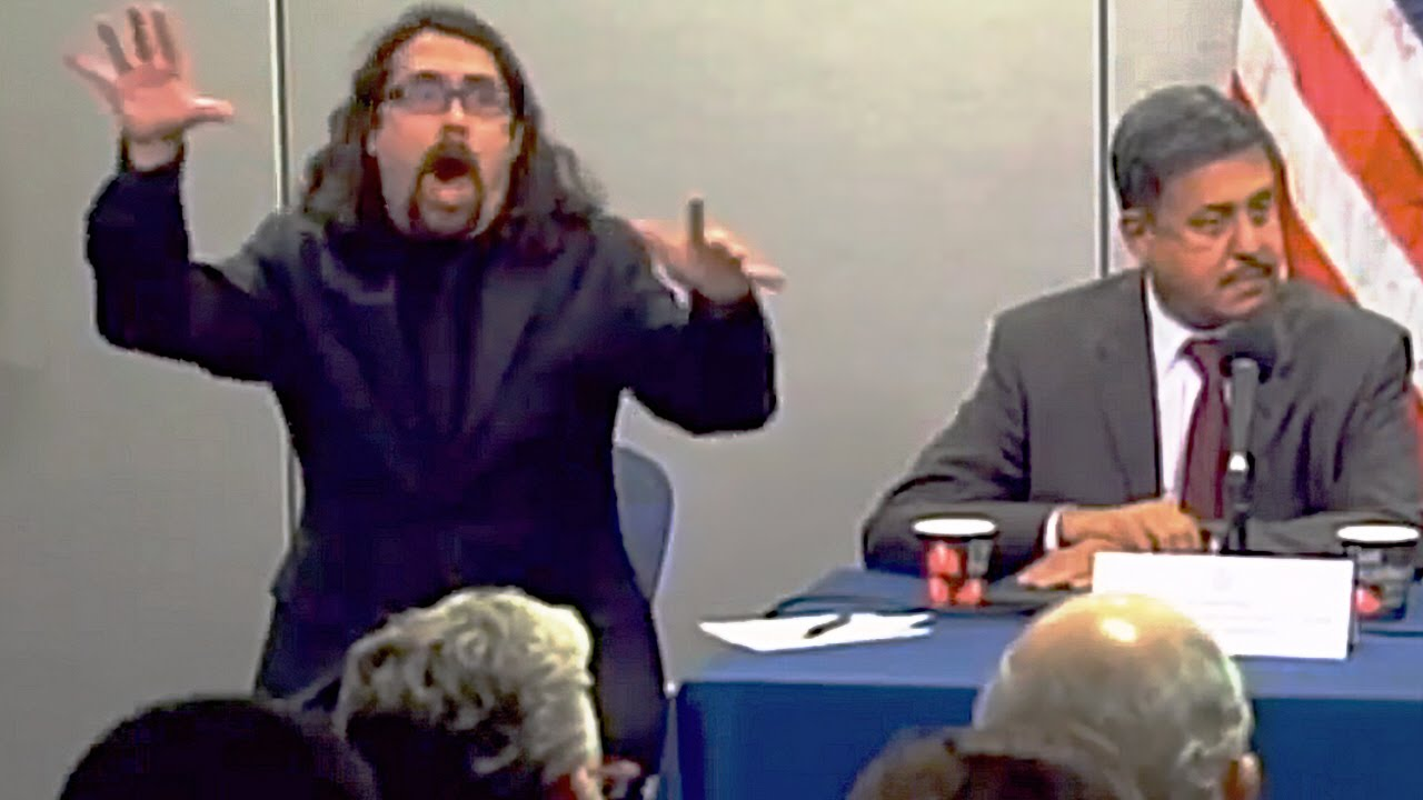Dynamic sign language interpreter dominates nyc ebola conference dynamic sign language interpreter dominates nyc ebola conference youtube xflitez Image collections