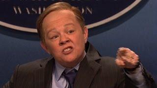 Melissa McCarthy targets Spicer on