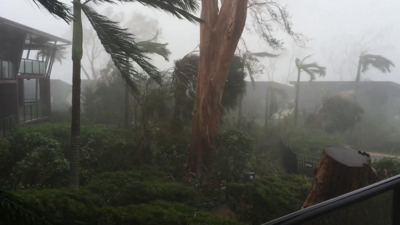 Youtube Cyclone Hamilton Island