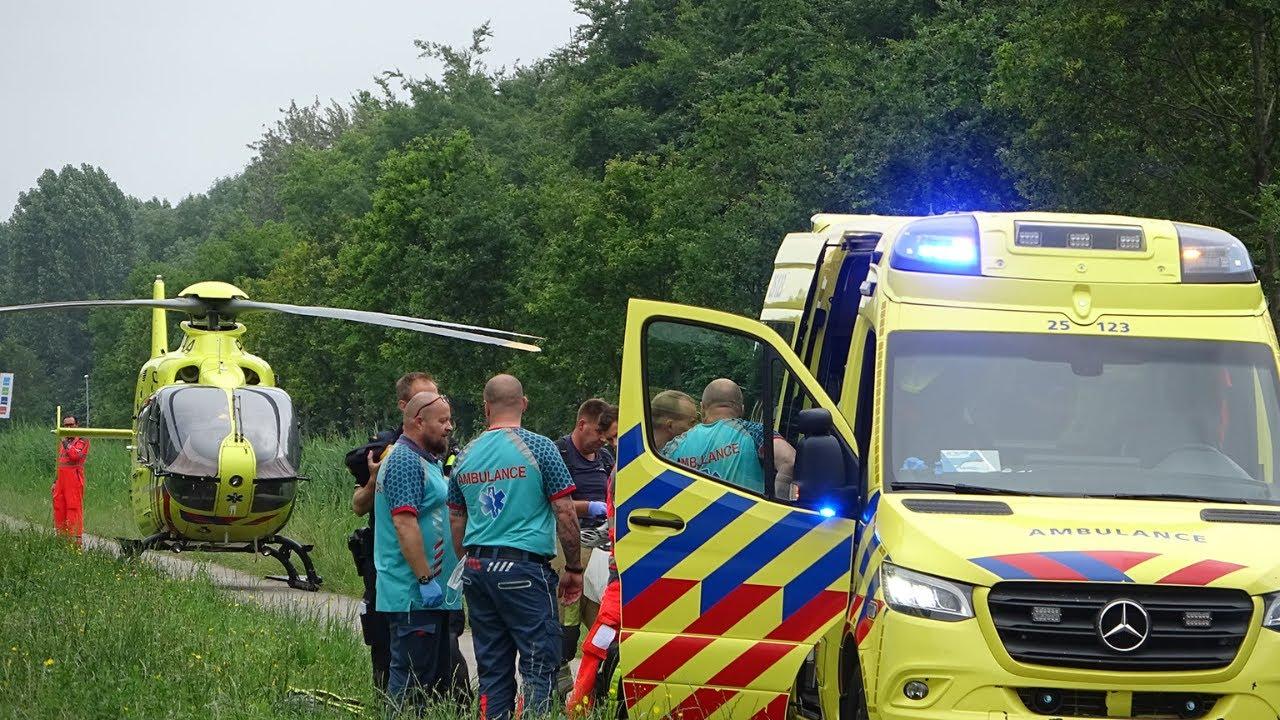 Wielrenner gereanimeerd na onwel wording op de fiets Vertrek Ambulance en Traumahelikopter