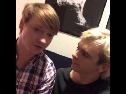 Calum Worthy And Ross Lynch 2014 Ross Lynch y Calum Wor...