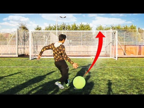 Thumbnail: SIDEMEN GIANT TENNIS BALL CROSSBAR CHALLENGE