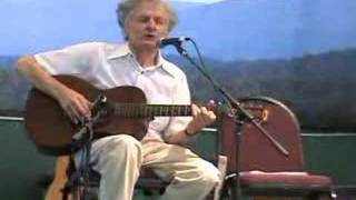 "Mike Seeger plays ""Cumberland Gap"""