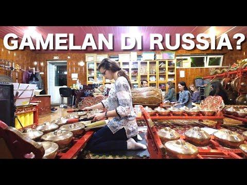 ORANG RUSSIA MAIN GAMELAN & BISA BAHASA INDONESIA! | MOSCOW | TRAVEL VLOG