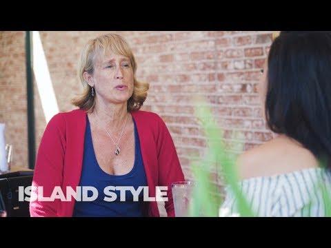 Island Style TV - Erika Swartzkopf Founder of Female Comics of Hawaii