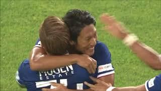 左サイドからゴール前に供給されたクロスを伊藤 翔(横浜FM)が相手GKの...