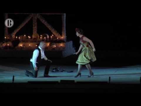 Cultura | La ópera  Carmen  traslada su historia al muro entre México y Estados Unidos