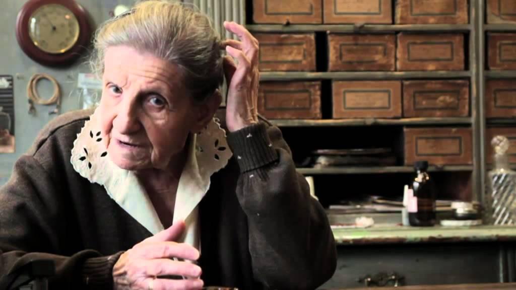 Videó az Emmi néni vezette Libál Optikáról 1c2fe99cd0