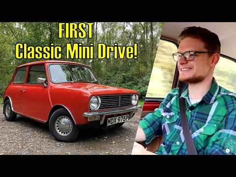 My First Drive In A Classic Mini! Can A Fiat Fan Be Convinced? (1976 Clubman 998 Automatic Driven)
