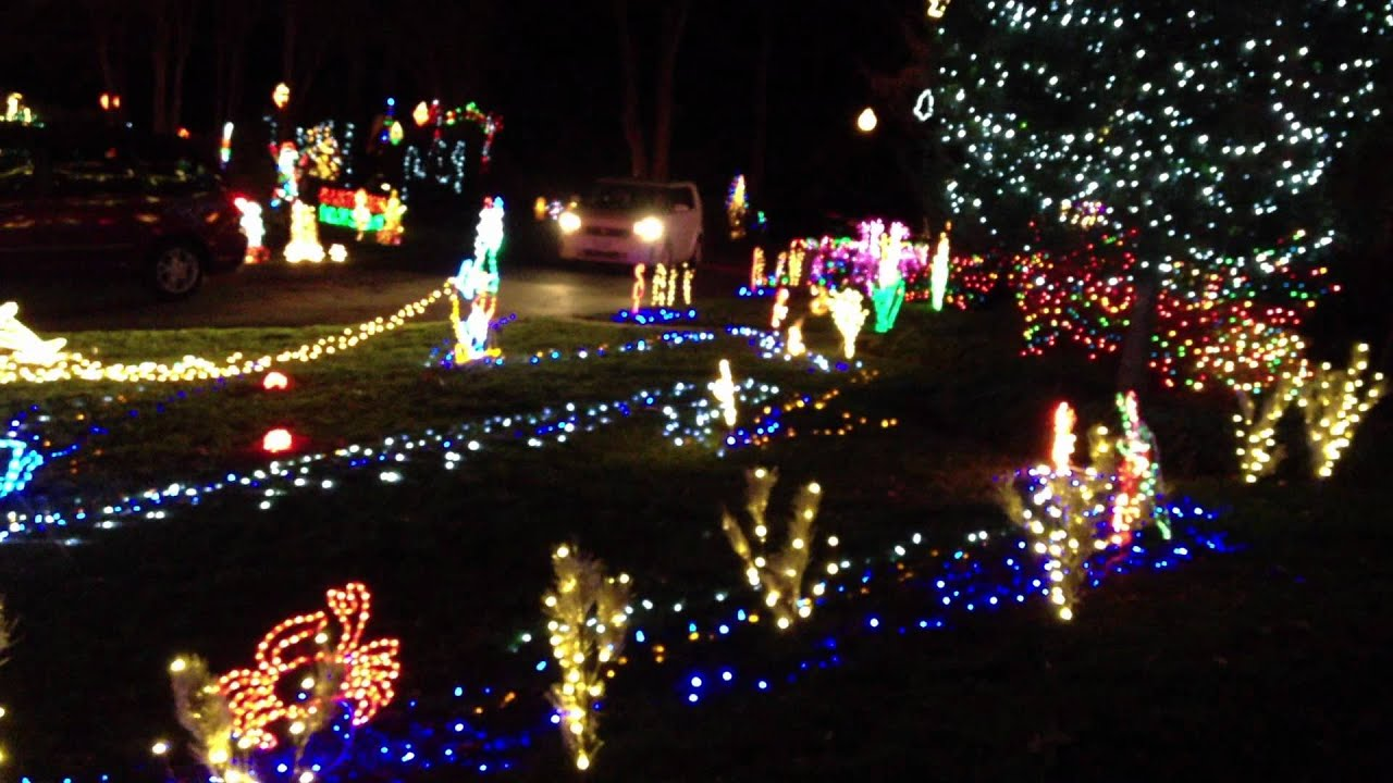 8720 River Rd Richmond VA Christmas Lights 2011   YouTube