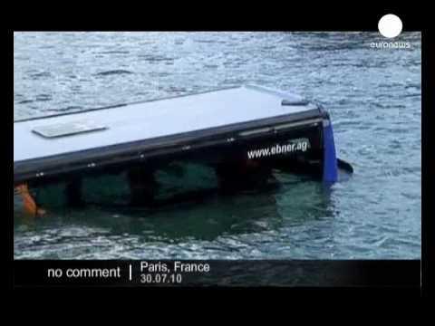 A bus Slides into Seine river in Paris - no comment