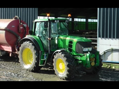 Muck-Spreading Using Wind-Power!  John Deere 6930 and HiSpec.