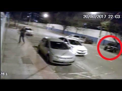 Assalto em frente a viatura policial
