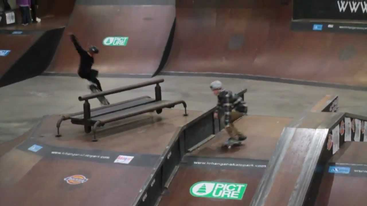 Championnat de france skateboard nantes 2013 pose - Location hangar nantes ...