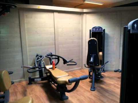 Arredamento centro estetico palestra fitness youtube for Arredamento palestra