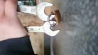 Como romper  un candado.3gp