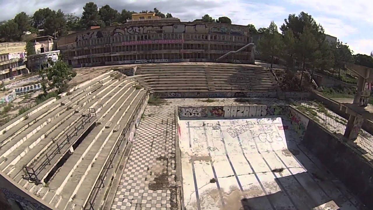 Piscinas abandonadas youtube for Piscina rubi