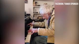 94 year old Philip Springer plays Moonlight Sonata