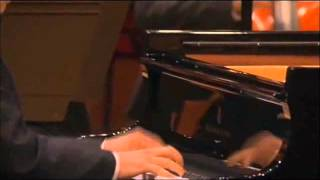 Schumann Piano Concerto in a minor, Op.54, 1st movement - Dang Thai Son