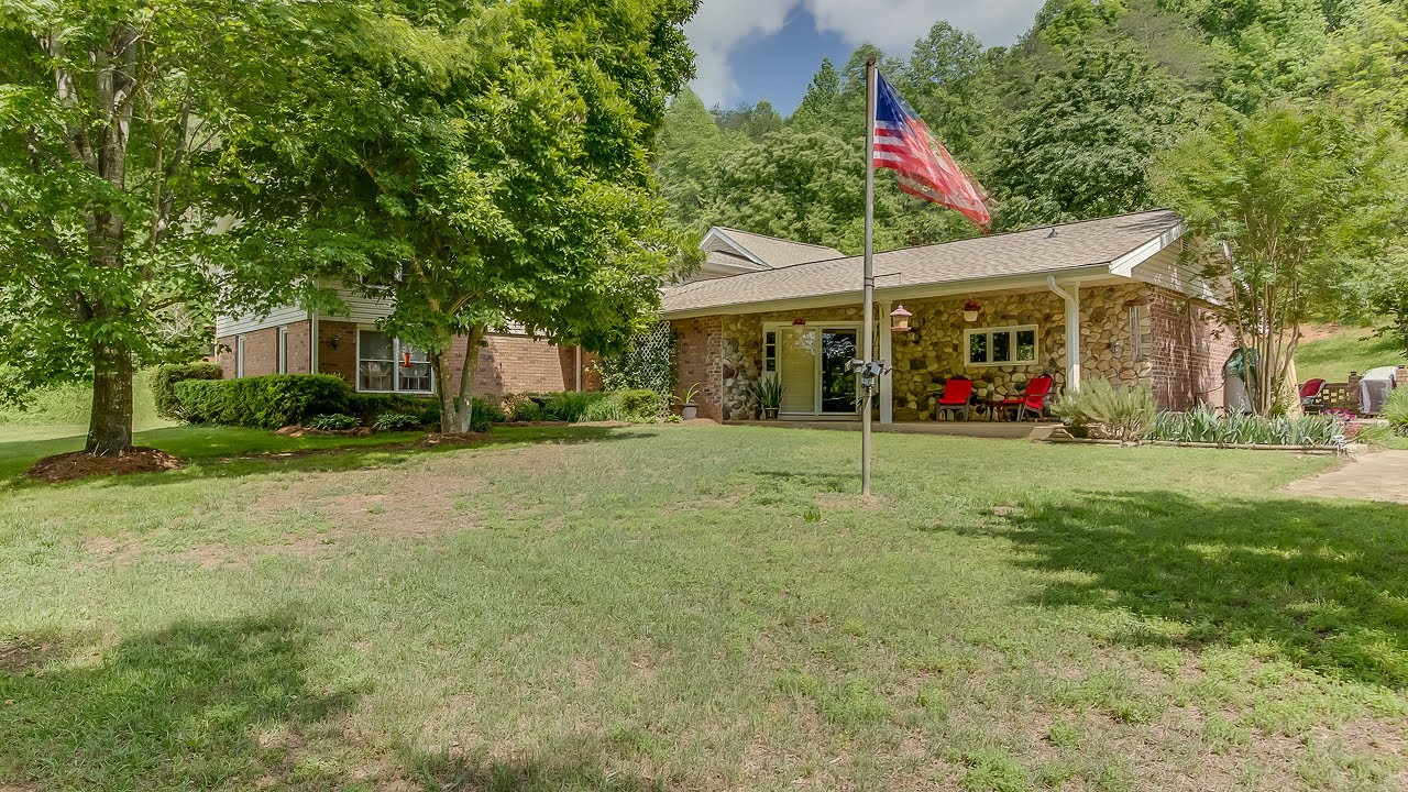 524 Bates Crossing Rd, Travelers Rest, SC 29690 | Homes