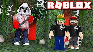 ESCAPE THE MAZE OF CRAZY BEAST in ROBLOX FLEE THE FACILITY / RUN, HIDE, ESCAPE!