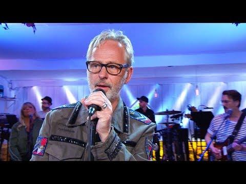 Uno Svenningsson - Slå! (Original: Sting) - Så mycket bättre (TV4)