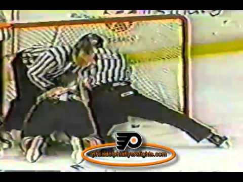 Feb 18, 1991 Dave Manson vs Rick Tocchet Chicago Blackhawks vs Philadelphia Flyers